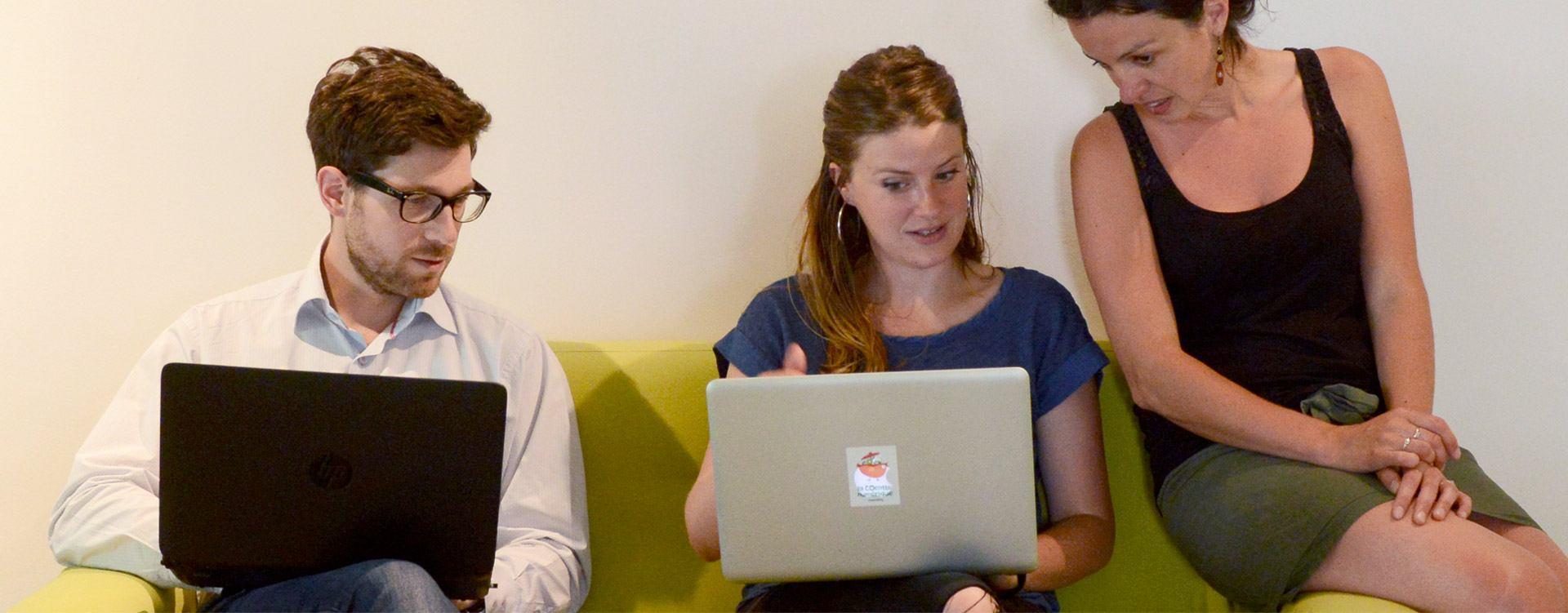 Coworkers au travail à la COcotte numérique